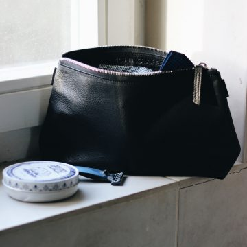 Black Leather Washbag
